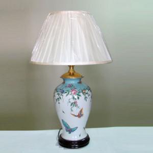 Фарфоровая лампа 235