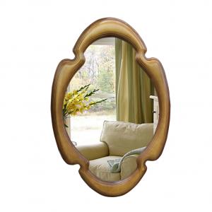 Зеркало в фигурном багете 303
